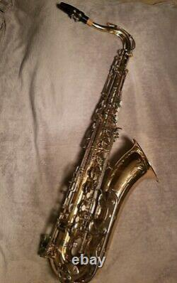 Bundy BTS-300 Tenor Saxophone Laquer with Matching Case