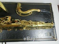 G02/ Vintage Selmer Signet Tenor Saxophone with Case