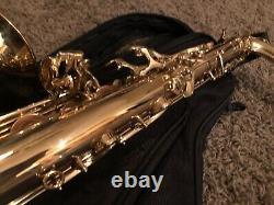 Giardinelli GTS-10 Advanced Tenor Saxophone By Eastman w Case