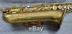 THE MARTIN COMMITTEE III TENOR SAXOPHONE With ORIGINAL CASE CIRCA. 1950 PRE-OWNED
