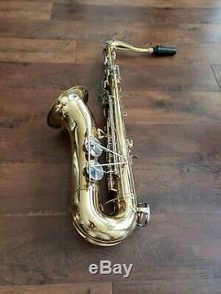 Tenor saxophone KING 615 U. S. A WITH CASE SERIAL NUMBER 890062