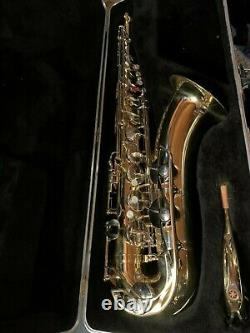 YAMAHA YTS-21 TENOR SAXOPHONE with Hard Case. Excellent Condition. Used 10 time