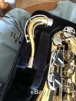 Yamaha Advantage YTS-200AD Tenor Saxophone with case, mouthpiece, and neck-strap