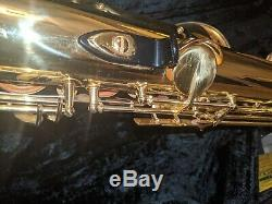 Yamaha yts52 tenor saxophone serial 005091a With case and strap